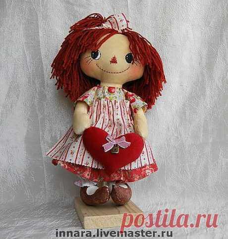 """Тряпичная кукла """"Иришка с сердечком"""" - День Святого Валентина,тряпичная кукла"""