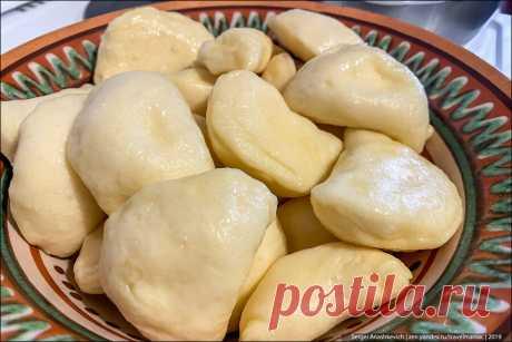 Подсмотрел, как на Украине готовят настоящие домашние вареники. Это оказалось очень просто и вкусно (пошаговый фоторецепт) | TravelManiac | Яндекс Дзен