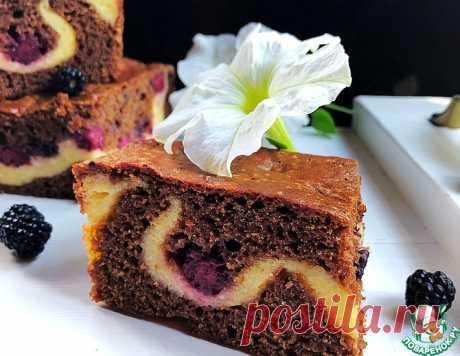 Шоколадный пирог с ежевикой и творогом – кулинарный рецепт