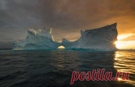 Свет и лед Гренландии. Автор фото – Владимир Кушнарев: nat-geo.ru/photo/user/119710/ Доброе утро!