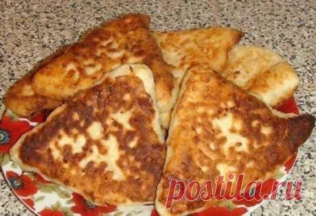Обалденные сырные лепёшки с начинкой на скорую руку