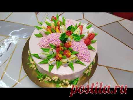 Весенний торт с сиренью тюльпанами и мимозой.