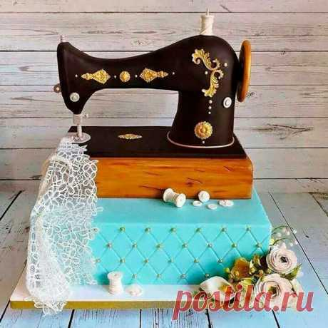 La torta la máquina de coser