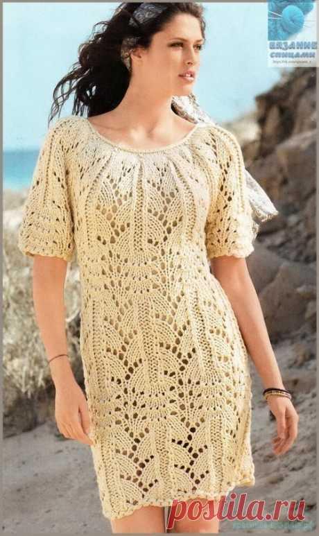 Вяжем платье спицами Вяжем платье спицами для женщин. Вяжем платье спицами. Описание вязания платья спицами для женщин. Ажурное платья выполнено из объемной хлопковой пряжи, которая выгодно подчеркивает красоту узора Р…