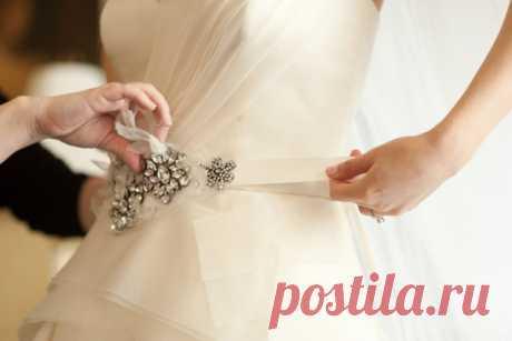 Belt as decoration of a wedding dress - WeddyWood