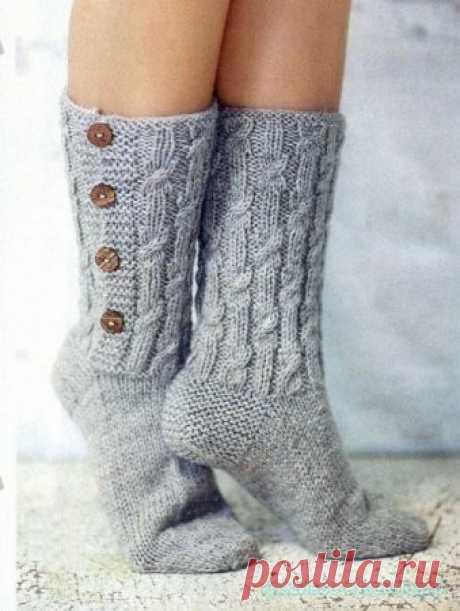 Красивое вязание   Носочки с отделкой пуговками