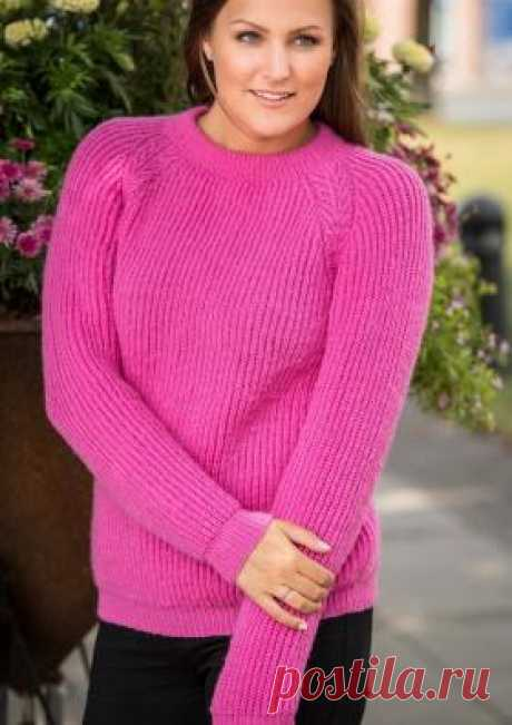 Свитер реглан с косами в технике бриошь Чудная модель женского свитера, связанного из тонкого мериноса на спицах 3 мм. Вязание всех деталей выполняется узором патентная резинка (английская...