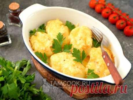 Рецепт очень вкусного гарнира из молодой картошки, запеченной с маслом и сыром.
