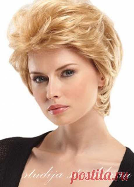 Laying on short hair | Hairstyles and Hairdresses
