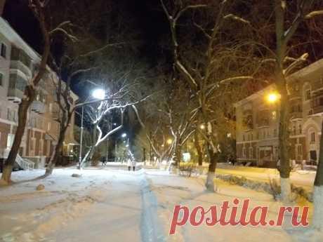 Сквер на ул. Ленина вечером