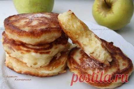 Как приготовить пышные и нежные оладьи с яблоком - рецепт, ингридиенты и фотографии