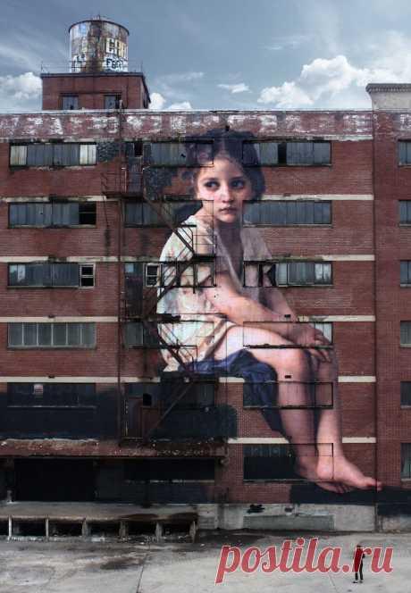Оригинальный стрит-арт: классическая картина на стене заброшенного здания