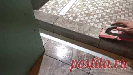Полезные советы для новичков по укладке плитки При укладке керамической плитки в ванной комнате или на кухне на практике очень часто допускаются типичные ошибки (особенно это касается начинающих