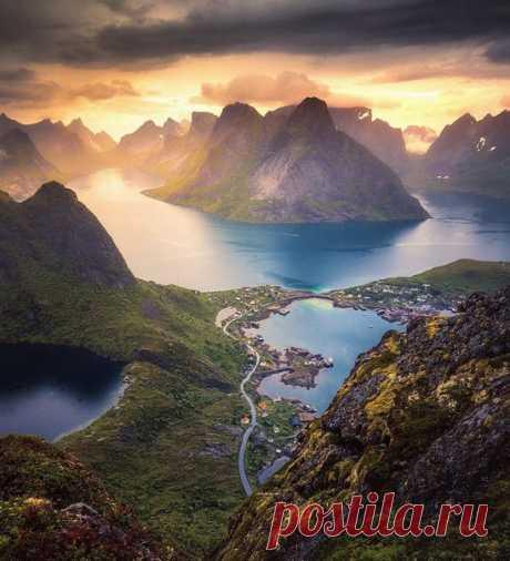 Рейне, #Норвегия@discoverygroup