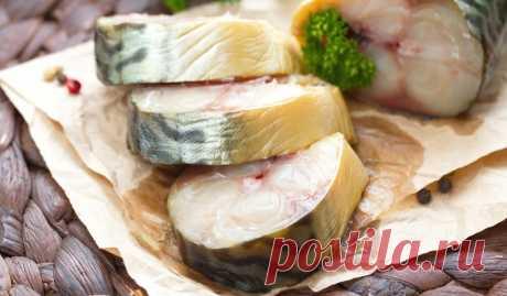 «Копчёная» скумбрия в чае Рыба получается нежной, умеренно солёной, а по вкусу и виду очень напоминает копчёную.