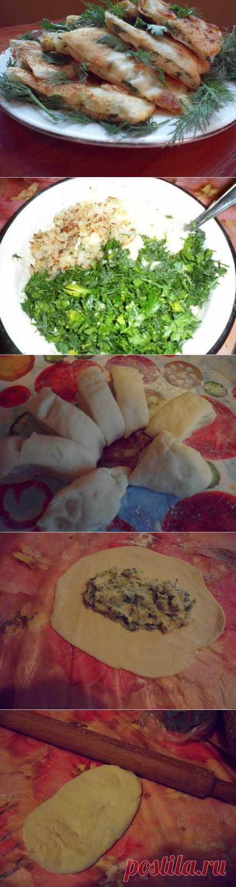 Los pastelillos con las patatas y la verdura del test delgado.