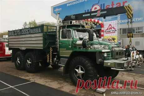 Отец с сыном доработали Урал-375 очень необычным способом (понравится не всем!)   Все о грузовиках – Trucksplanet   Яндекс Дзен