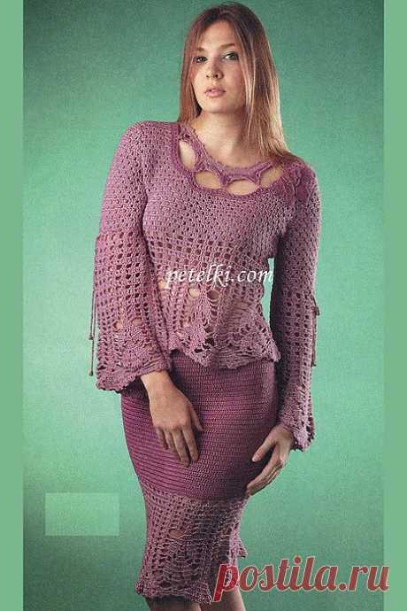 Ажурная блузка и юбка с каймой.