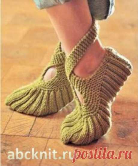 Зеленые ночные туфли с завязками | Вязание спицами и крючком – Азбука вязания