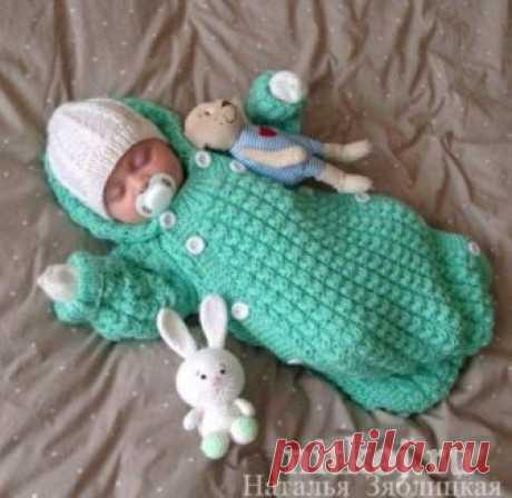 Салатовый конверт - очаровательный подарок для новорожденного