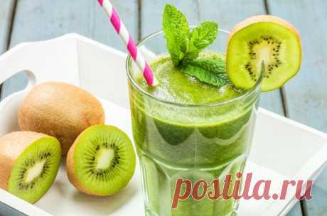 Жиросжигающий зеленый коктейль из киви – поможет привести в порядок организм