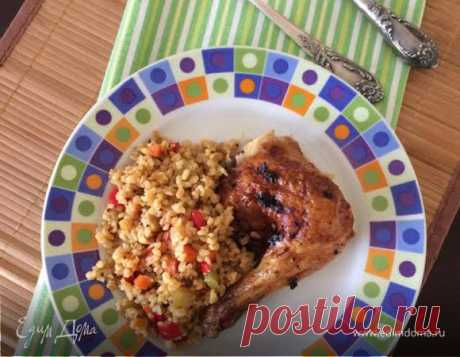 Булгур с овощами и курицей. Ингредиенты: соль морская, аджика, киноа