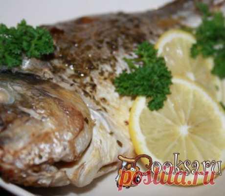 """""""Лимонная"""" дорадо запеченная с прованскими травами Вкуснейшая """"Лимонная"""" дорадо запеченная с прованскими травами готовится очень просто, как и все гениальное. Благодаря длительному маринованию с лимонным соком у рыбы полностью отсутствует рыбный запах и вкус, я бы сказала, что мясо очень напоминает куриное. Приготовьте такую рыбу на ужин и подайте с бокалом белого сухого вина. дорадо — 2 шт; лимон — 1 шт; прованские травы — 1 ч.л.; соевый соус — 20 мл; соль (по вкусу) ;"""