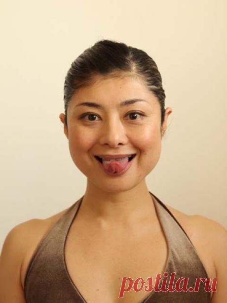Упражнение «Треугольник из языка» против двойного подбородка