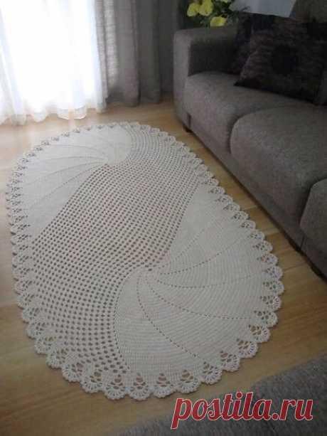 Вязаный коврик для уютного дома