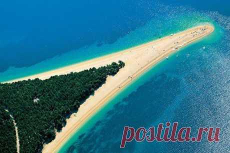 Пляж Золотой Рог в Хорватии.