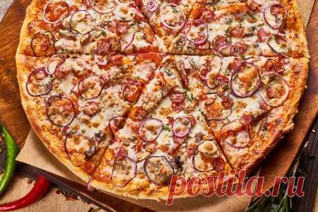Как в пиццерии: идеальное тесто и соус для пиццы за 10 минут
