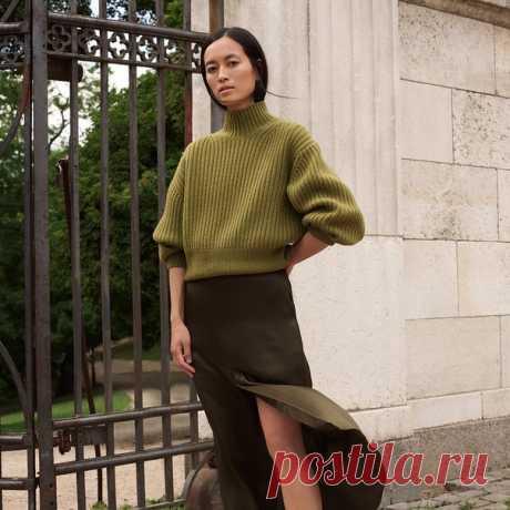 Вдохновленные утонченным и элегантным стилем Марии Ван Нгуен, мы не можем не поделиться с вами ее роскошными осенними образами! 📸 Узнайте больше в новом материале нашего блога #HMMagazine и создавайте изысканные сочетания благодаря моделям премиального качества из таких изысканных материалов как шелк, кашемир и кожа. #HMMagazine #HM