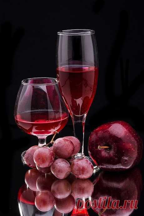 Вино и фрукты...