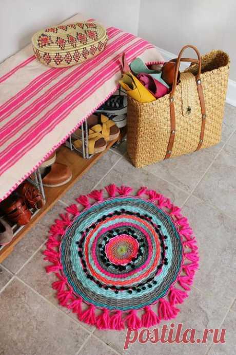 Плетем красочный круглый коврик