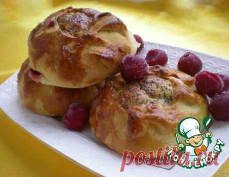 Булочки с творогом и вишнями – кулинарный рецепт