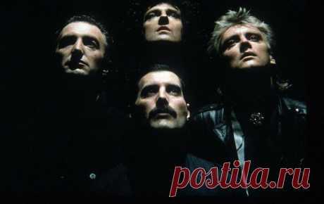 Самые знаковые песни группы Queen Песни Queen давно считаются классикой рока, а группа стала легендой мировой музыки