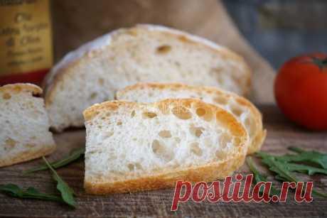 Хлеб на пулише С хлебом на закваске у меня последнее время не очень складывается. Люблю его безумно, очень хочу готовить, но вот нет вдохновения - и все тут. Домашний хлеб требует времени. Сосредоточенности, терпения, спокойствия в душе, тепла на сердце. Очень сложно готовить хлеб своими руками, когда тебя разрывает на тысячу мам, мамочек, ну-мам, эй-мам и прочих особей, когда список необходимых дел - гораздо длиннее страницы в ежедневнике, когда возможность выпить чашку ч...
