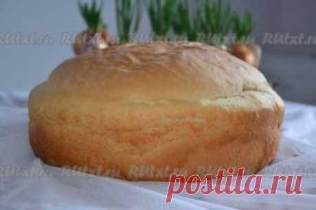 Хлеб от Оксаны Ставицкой  Домашний хлеб мама печет уже более 20 лет. Магазинный покупает крайне редко. Я пеку значительно реже, но на результат, как утверждают мои домочадцы, это не влияет. Хочу поделиться своим рецептом домашнего дрожжевого хлеба. Хлебушек получается очень вкусным. Для приготовления домашнего дрожжевого хлеба потребуется: 11 г сухих дрожжей; 4 стакана муки; 2 стакана воды; 3 ст. л. растительного масла; 1 ст. л. сахара; 1,5 ч. л. соли.  В теплой воде разве...