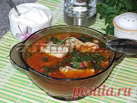 Вкусный суп харчо со свиными ребрышками – пошаговый фото рецепт Харчо является национальным первым блюдом грузинской кухни. Готовится это блюдо довольно просто, а получается насыщенным и очень вкусным. Существует много рецептов приготовления этого национального грузинского блюда. И, по какому бы рецепту этот суп не готовился, основными ингредиентами являются рис, сало, хмели-сунели и кинза. Добавляют и ткемали, но это по желанию.   Если вы предпочитаете кухню Грузии, то по...