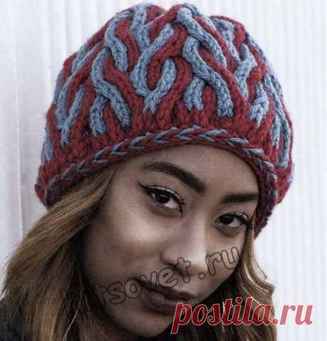 Двухцветная шапка с косами - Хитсовет Извивающиеся двухцветные косы свободно поднимаются от основания  к макушке шапки, создавая объемное и теплое  полотно.