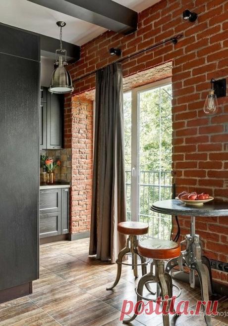 Самая стильная квартира в стиле лофт, что мы видели. Очень просторно и светло, не смотря на маленькую площадь.  Ремонт выполнен профессионально.