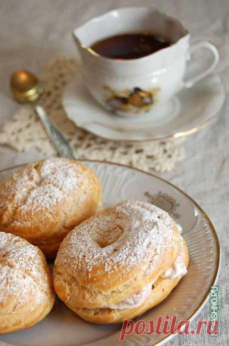 Заварные кольца с творожным кремом Попробовал испечь заварные кольца по рецепту Ирины Чадеевой. Получились бесподобные пирожные, даже фотографии вкусные.