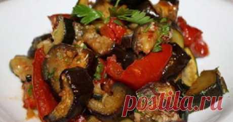 Невероятно вкусные запеченные овощи в маринаде.      Это легкий полезный гарнир или полноценное второе блюдо. Ингредиенты  ✓ баклажан  ✓ кабачок  ✓ болгарский перец  ✓ головка репчатого лука  ✓ 3 зубчика чеснока  ✓ 2 ст. ложки соевого соуса  ✓ 1 ст…