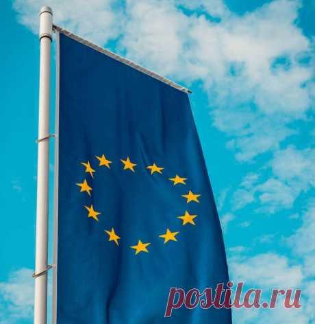 Шенгенская виза необходима для въезда на территорию стран Европы, которые заключили Шенгенское соглашение. Шенгенская виза может быть оформлена в одном из государств, которые входят в зону Шенгена.  Это даёт вам возможность въезда практически во все государства Европы. Однако, не все страны страны поддерживают шенгенский визовый режим.