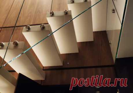 Консольная лестница в пентхаус
