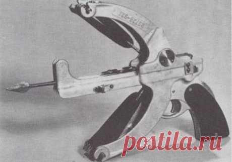 Боевой арбалет Little Joe (США) Во второй половине 1942 года американское Управление стратегических служб, отвечавшее за проведение секретных операций, начало разработку перспективных образцов бесшумного стрелкового оружия. Рассматр…