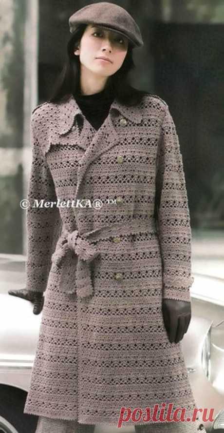 Вязание крючком - ажурное пальто с поясом