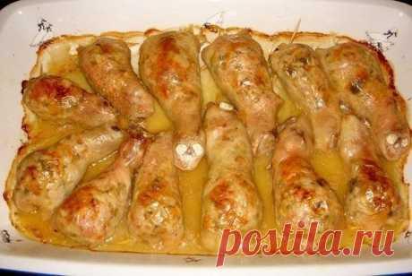 Замечательный ужин - сочные и очень вкусные фаршированные куриные ножки! Бесподобно!
