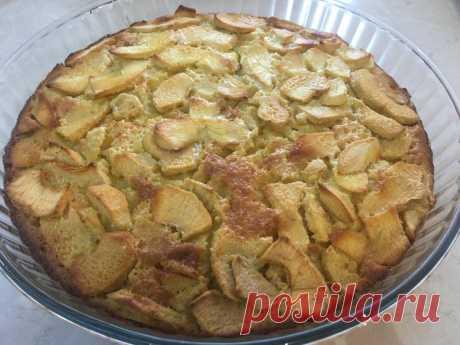 Простой яблочный пирог на апельсиновом соке. Приготовит даже ребёнок | Еда без труда | Яндекс Дзен