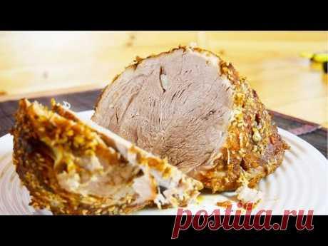 Буженина из свинины в духовке  Ленивая буженина из свинины - это блюдо выходного дня. Ставим мясо в духовку, а сами отдыхаем!   Ингредиенты  Мясо (свинина) - цельный кусок от 1 кг Чеснок - 1 головка Соль -2 чайные ложки Черный перец - 1/2 чайной ложки Красный перец острый - 1/4 чайной ложки Паприка - 1 чайная ложка  Кунжут - 1 чайная ложка Специи можно варьировать по вкусу Рукав для запекания